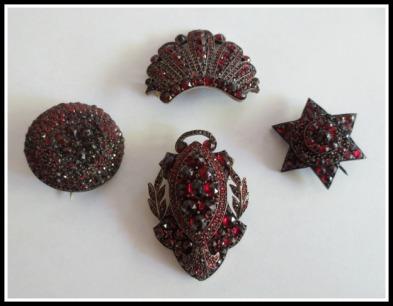 garnet-pins
