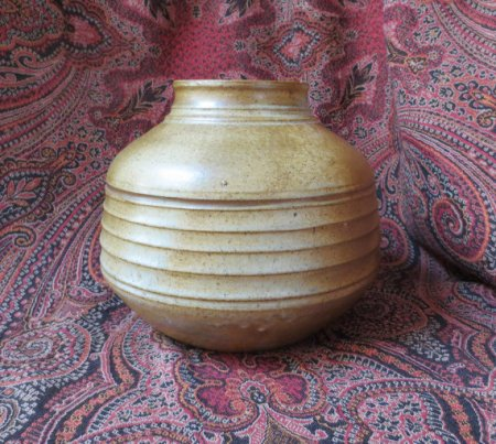 W-pottery