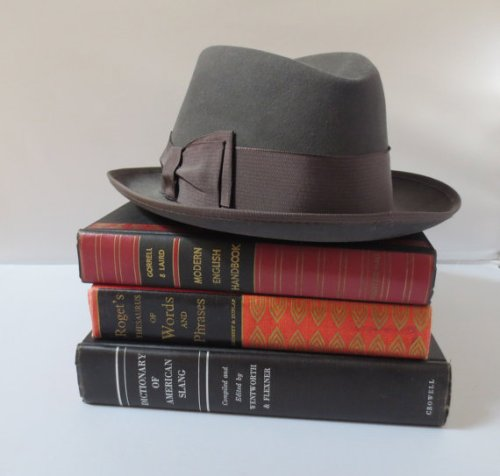 hat-books