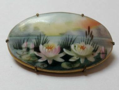 waterlily-brooch