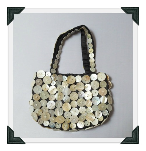 button-purse