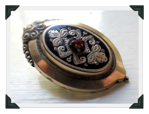 victorian-brooch