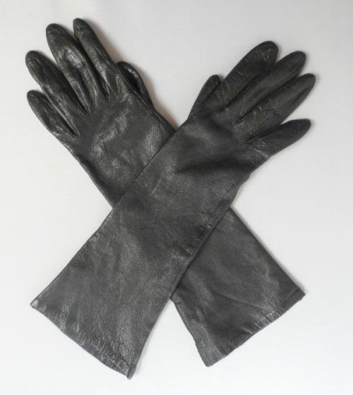 blackgloves6