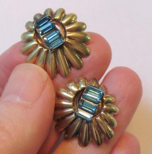 ban-rol-earrings