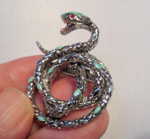 snake-pin