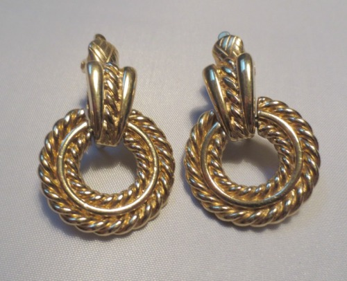 trifari-earrings