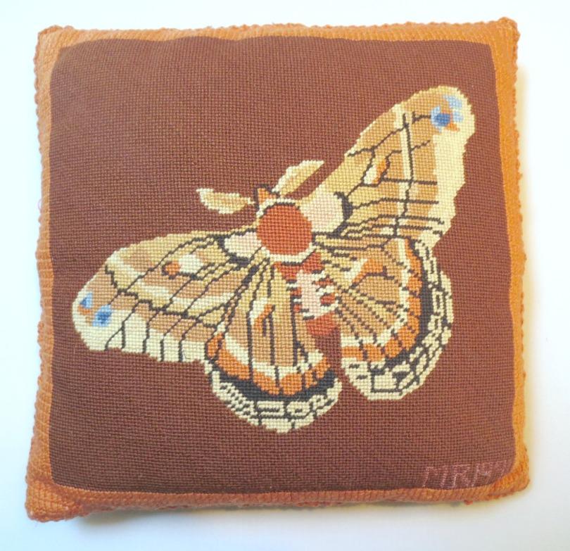 butterfly-pillow3