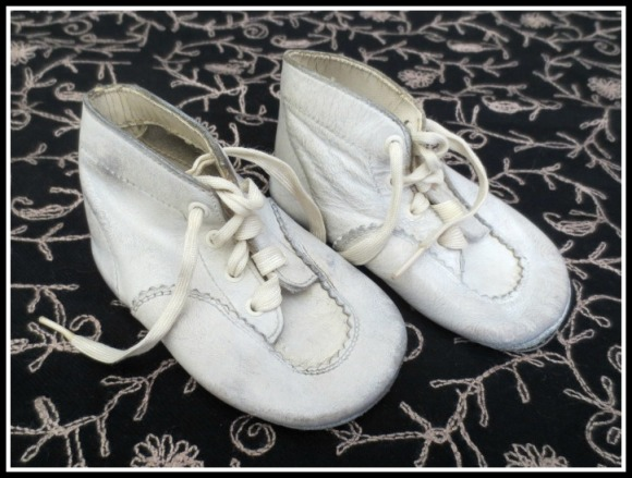 vtg-baby-shoes