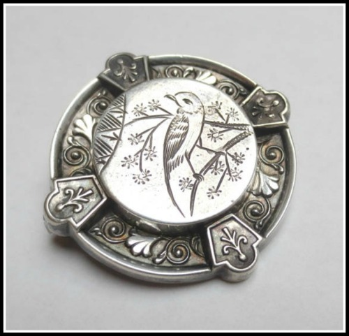 bird-brooch
