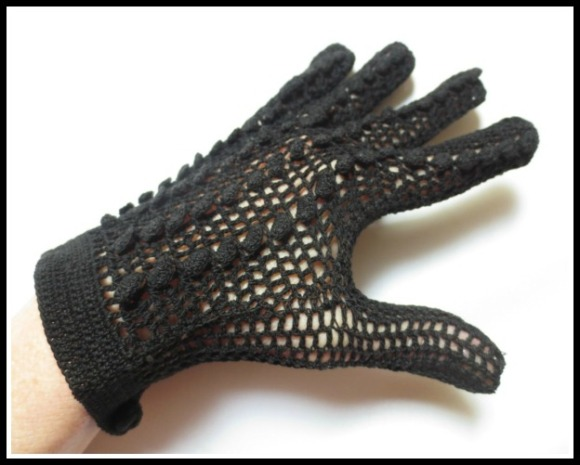 black-crochet-gloves6