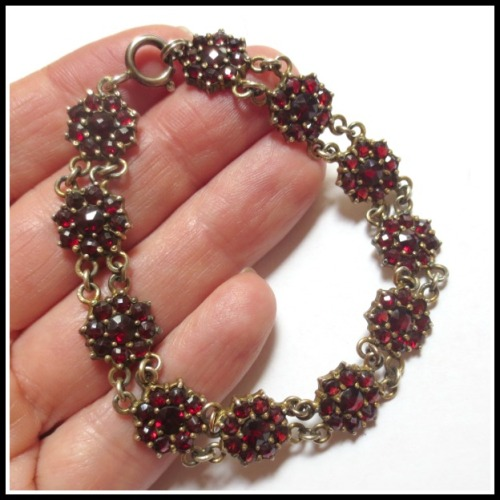garnet-flower-bracelet