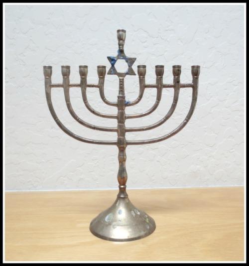 metal-menorah