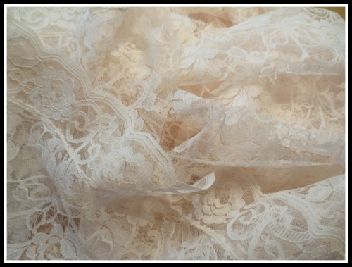 lace-tablecloth