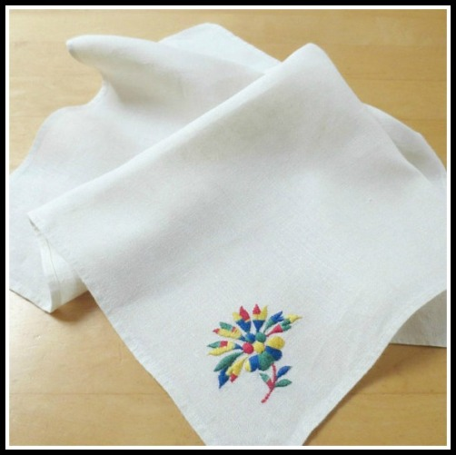 napkins-embroidered-flower