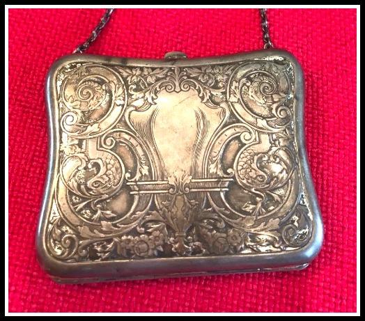 silver-fish-purse
